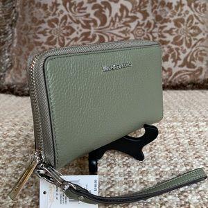 Michael Kors Jet Set Travel LG Flat MF Phone